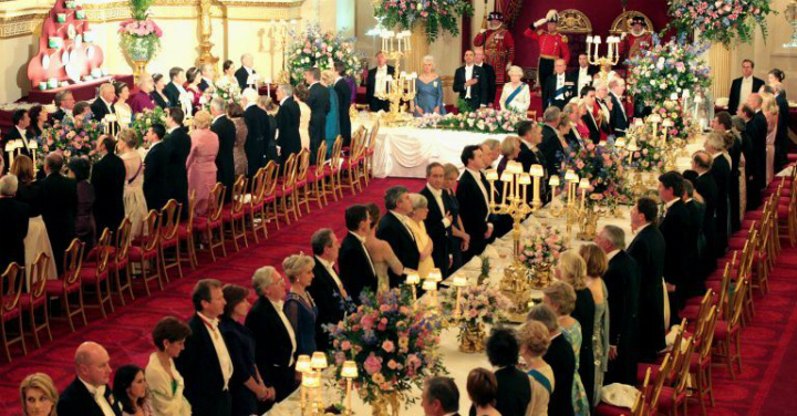 Buckingham Palace - Dining with the Queen