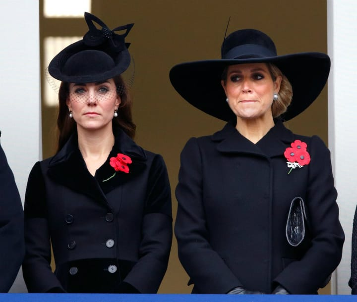 Buckingham Palace - Royal Family Has to Travel with Black Outfit