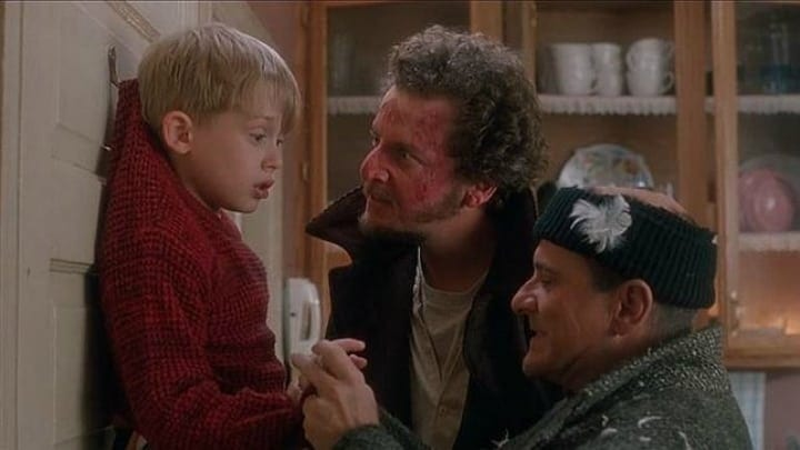 The Wet Bandits Catch Kevin McCallister - Home Alone