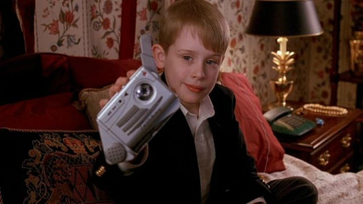 Kevin McCallister Using the Talkboy - Home Alone